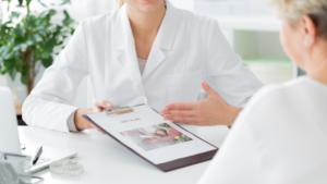 施術を紹介している医師の画像
